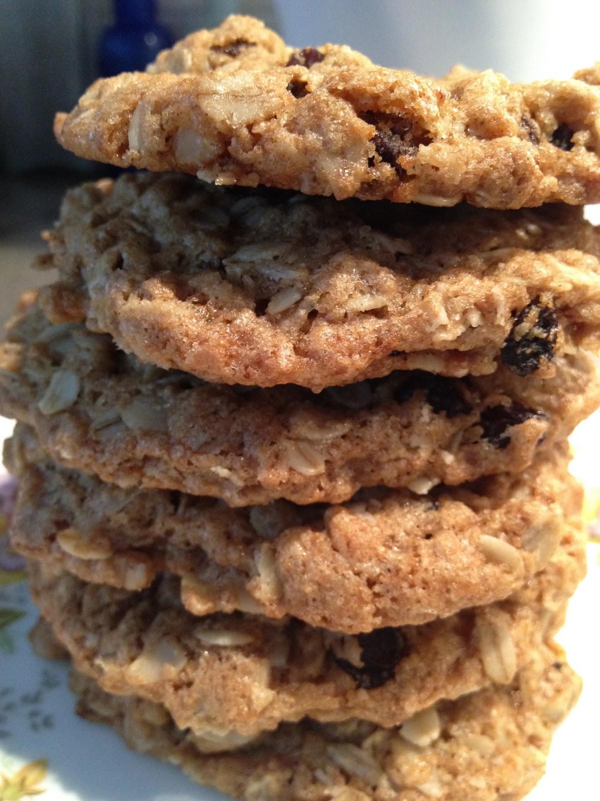Crispy & Chewy Oatmeal Raisin Cookies – Lisa's Project: Vegan